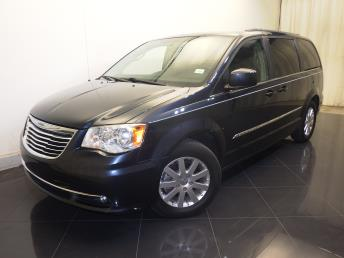 2014 Chrysler Town and Country Touring - 1730031962