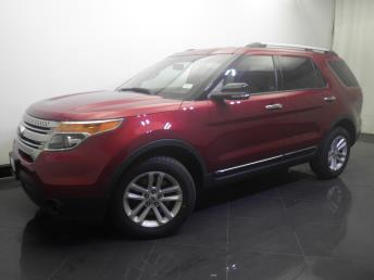 2014 Ford Explorer XLT - 1730033036