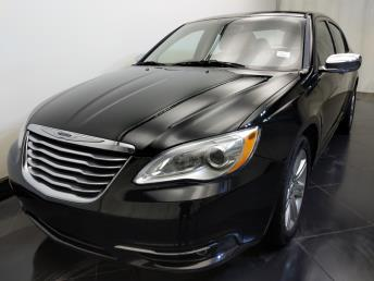 2013 Chrysler 200 Limited - 1730034667