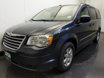 2009 Chrysler Town and Country Touring - 1730034723