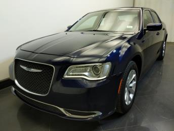 2016 Chrysler 300 300 Limited - 1730035324
