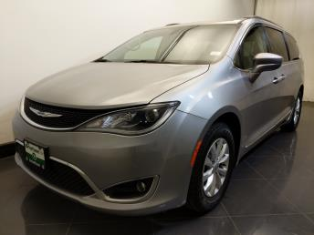 2017 Chrysler Pacifica Touring-L - 1730037165