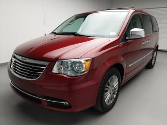 2016 Chrysler Town and Country Touring-L - 1740001020