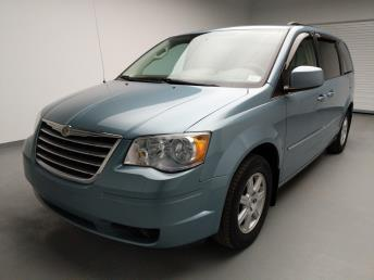 2010 Chrysler Town and Country Touring - 1740001203