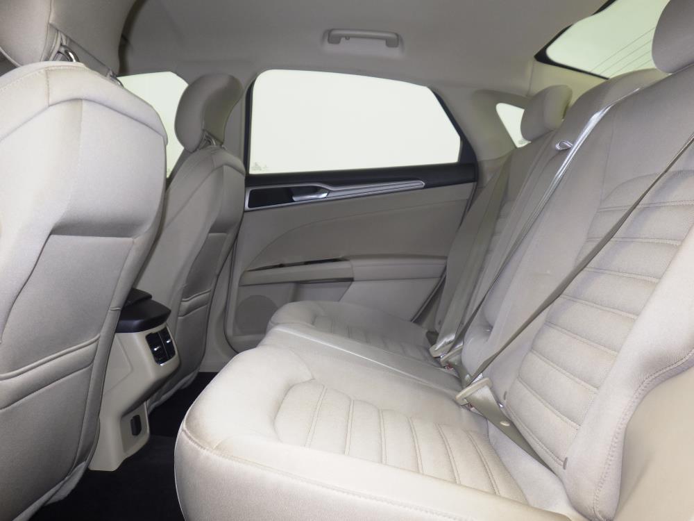 2014 Ford Fusion SE - 1770006578
