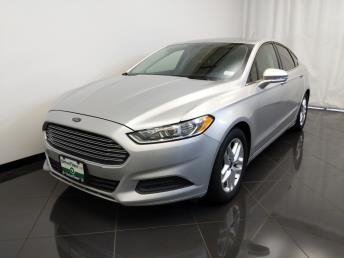 2016 Ford Fusion SE - 1770008010
